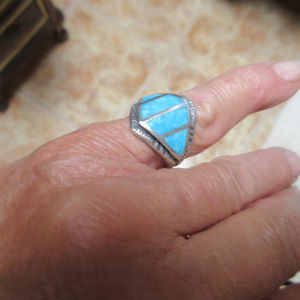 Jewelry - VINTAGE STERLING SILVER & INLAID TURQUOISE RING 6